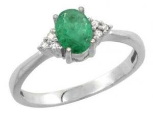 10K White Gold Natural Emerald Ring