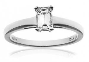 Naava 18ct White Gold Emerald Cut Diamond Ring